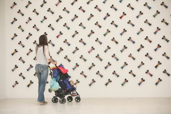 3D tapet za dečju sobu – mustra Miki Maus Vladimir Perić, Bijenale savremene umetnosti u Veneciji, 2013