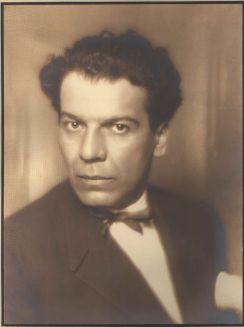 Mladi Branko Gavella na početku karijere kazališnog kritičara