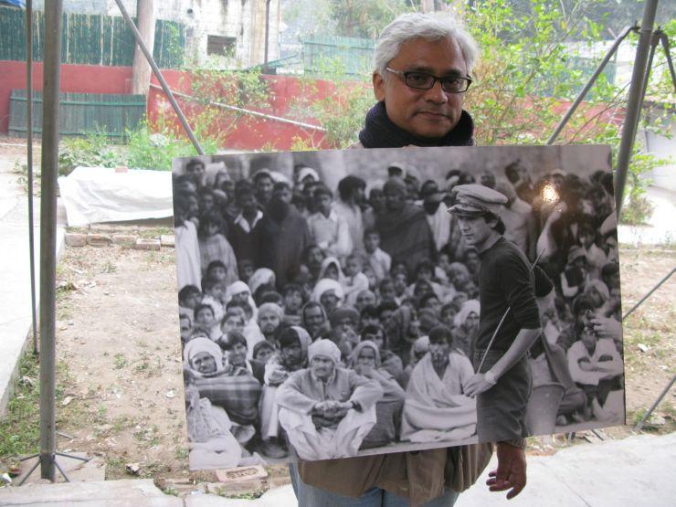 Sudhanv with Photo of Safdar