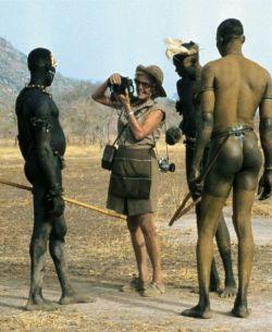 Leni Rifenštal sa plemenom Nubijaca