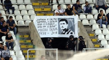 Posveta Vlatku Galiću na stadionu Partizana